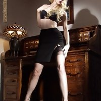 Mistress Karin von Kroftass - Full fashion stockings
